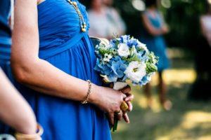 Modrá kytice pro svědkyni / maminky - Modrá hortenzie, bílé, zelené květiny - Modrá svatba