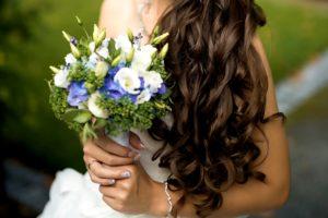 Svatební kytice - Modrá hortenzie, bílá eustoma, sukulenty, levandule - Modro-bílá svatba