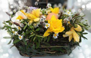Velikonoční květinové aranžmá - jarní květiny